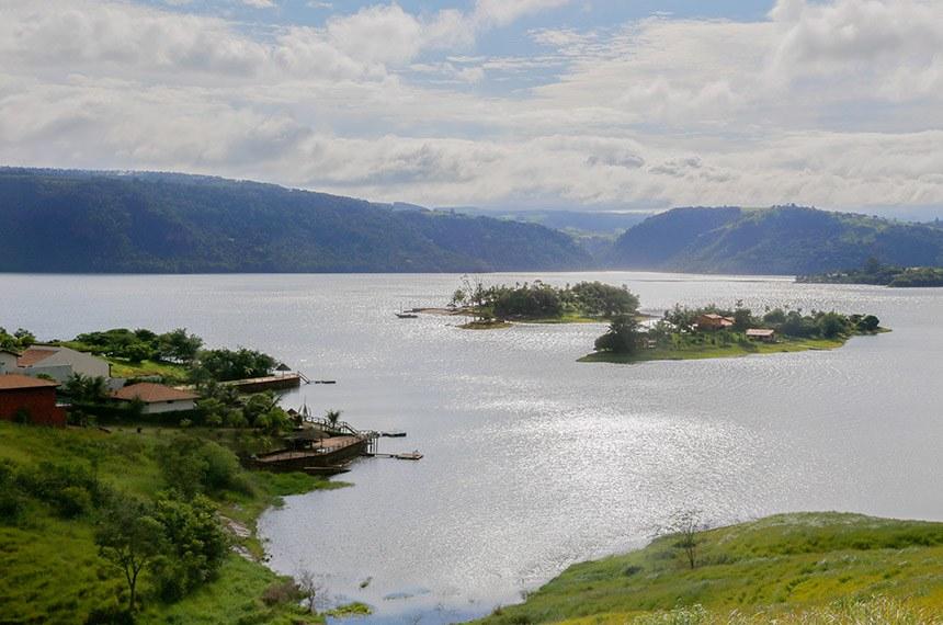 Angra Doce é um destino perfeito para a prática de pesca esportiva (Arnaldo Alves/ANPr)