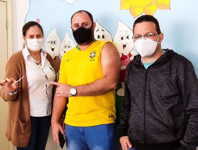 Secretário municipal de saúde de Jacarezinho, João Luccas Thabet Venturine acompanhou a vacinação