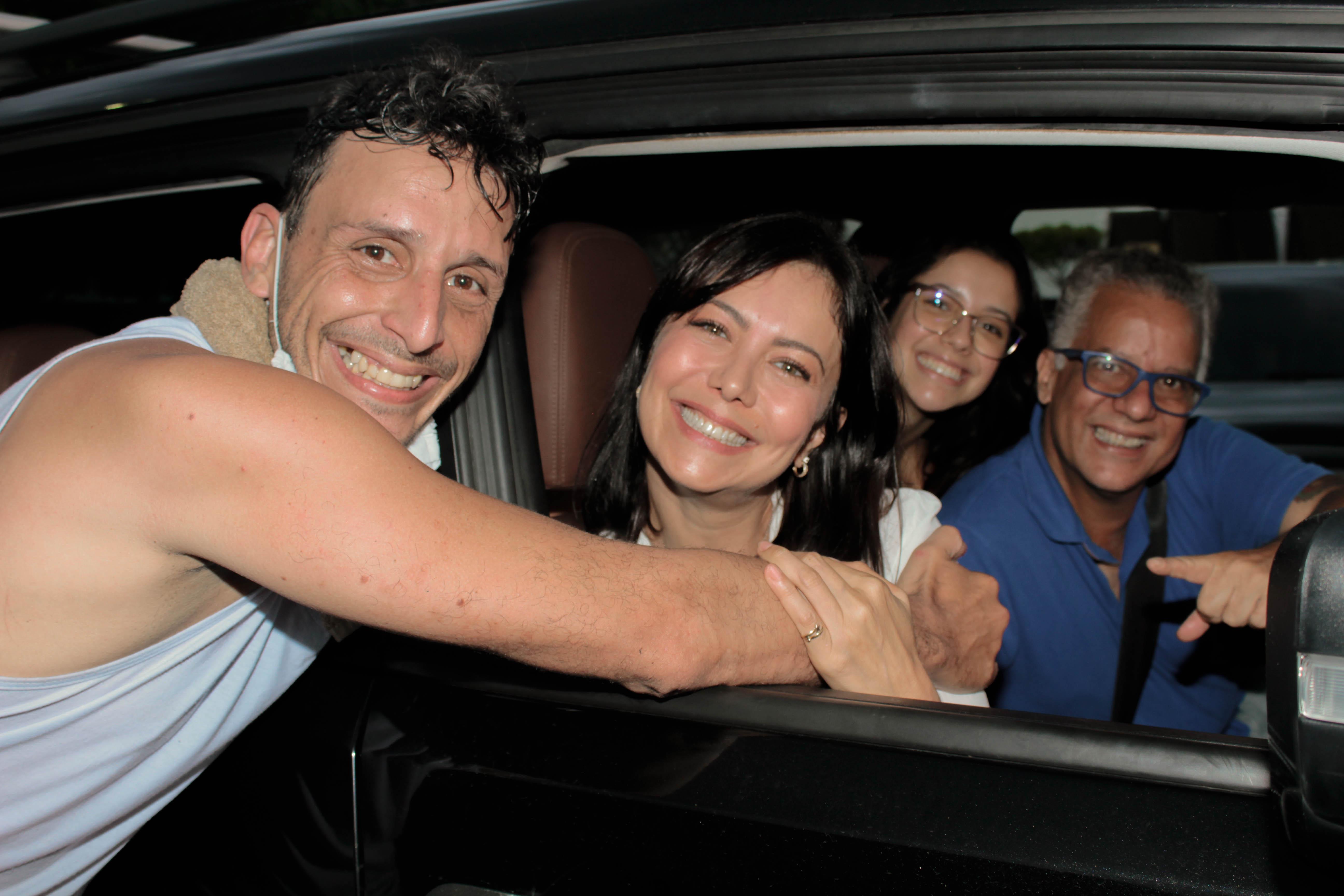 Netho Vidigal, atriz Simone Soares, filha Luana e Mário Meirelles - Crédito da Foto: Lyza Oliv