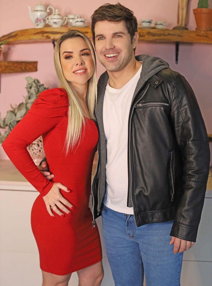 Marcel Kogos e a repórter Paty Loureiro - Foto: Jorge Beirigo