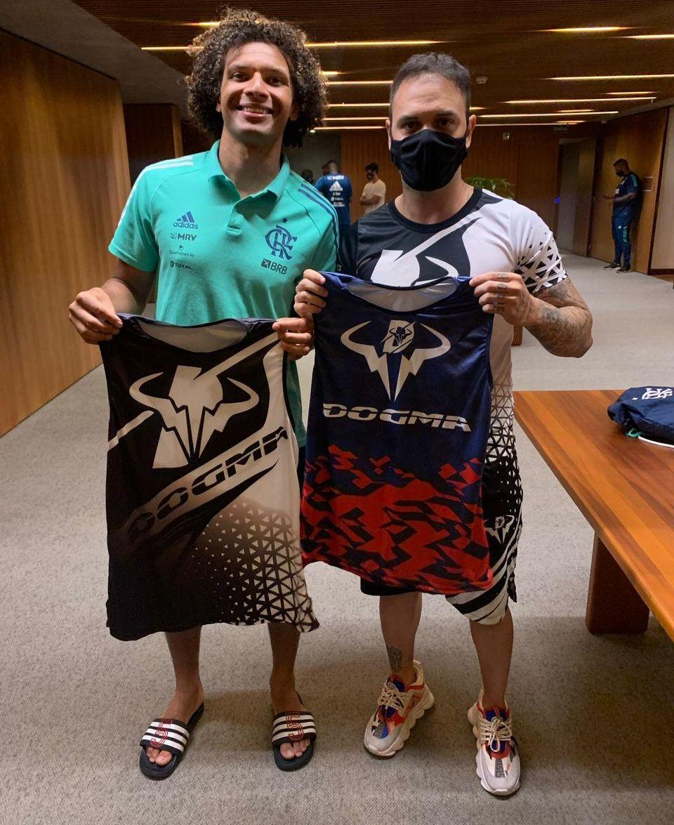 Willian Arão, jogador do Flamengo e Hugo Leonardo - Foto: Acervo Pessoal